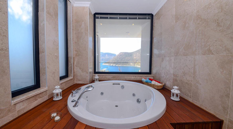 Villa Ozma Jacuzzi bath