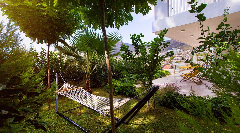 Villa Ozma garden