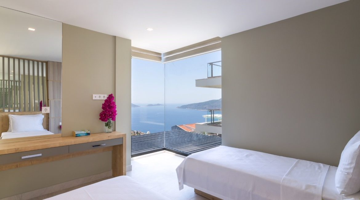 Villa Elegance twin bedroom with sea views