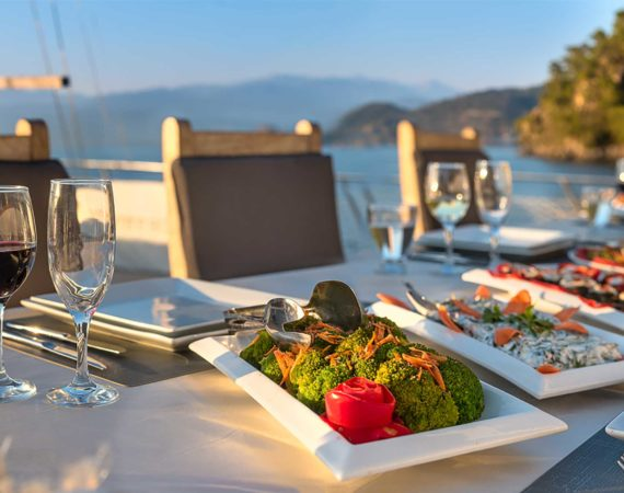 Supper on board the Seyhan Hanna