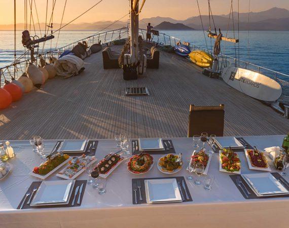 Supper on the Seyhan Hanna