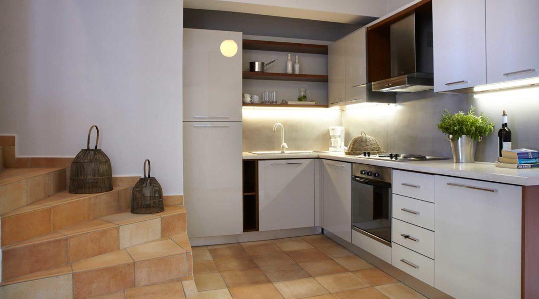 Villa Akrogialli Braunis Horio kitchen