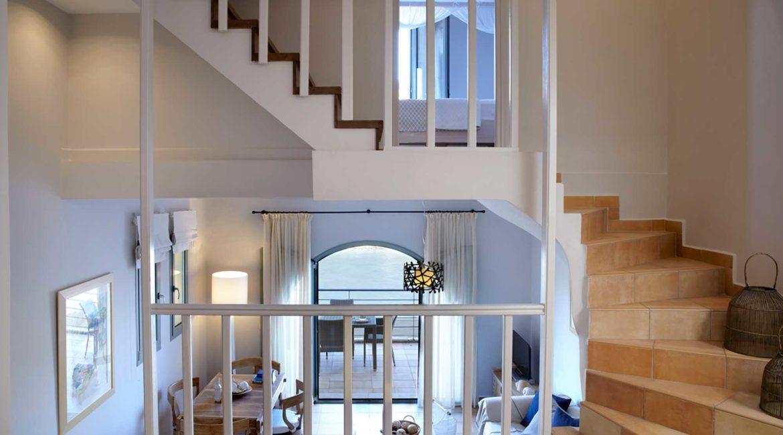 Villa Akrogialli Braunis Horio Villas living room)
