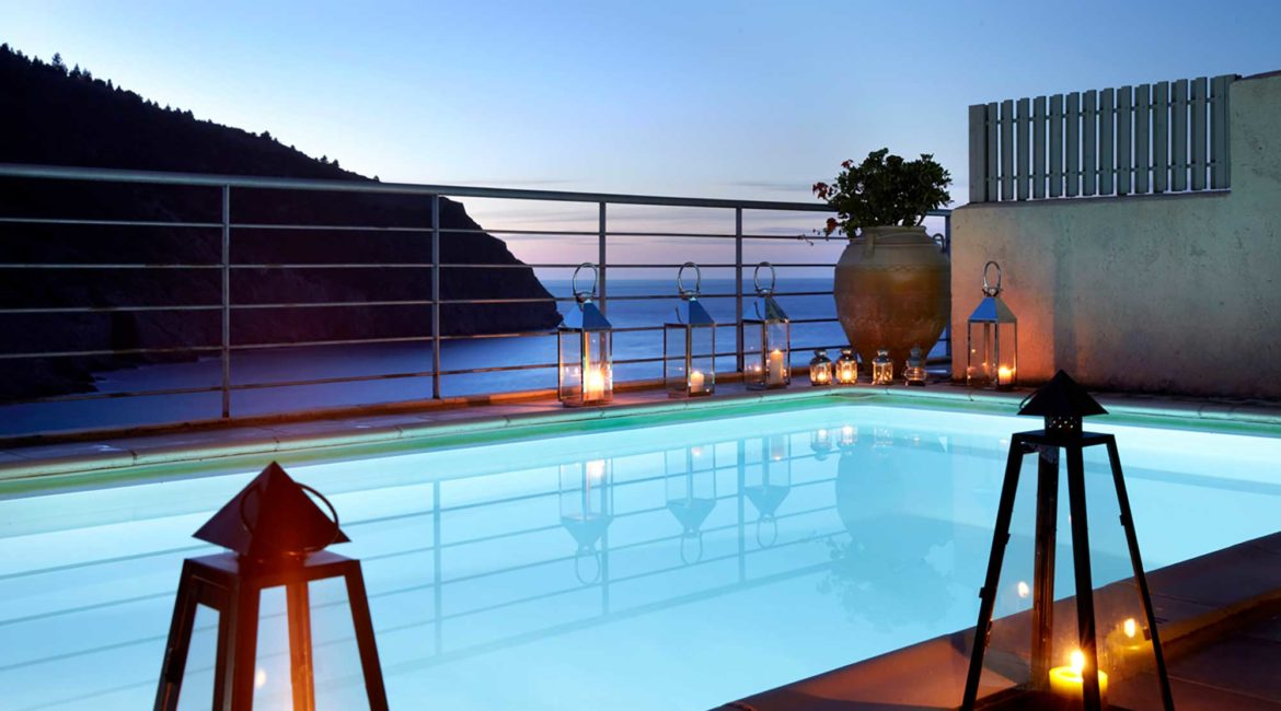 Villa Akrogialli Braunis Horio Villas pool with sea views