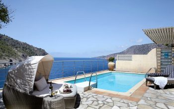 Villa Akrogialli Braunis Horio Villas pool, sun-terrace and sea view