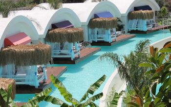 Yacht Classic Water Villas
